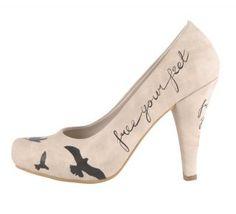 DOGO High-Heels - Free Your Feet für nur 89.95 € im offiziellen Online Shop von DOGO kaufen. High Heel Pumps in individuellem Design für wagemutige Fra