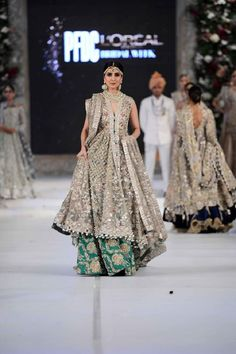 PFDC L'Oreal Paris Bridal Fashion Week 2015-2016 | BestStylo.com