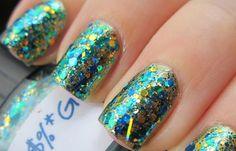 Uñas decoradas sencillas, uñas decoradas sencillas brillo.   #decoraciondeuñas #unghiecolore #uñaselegantes