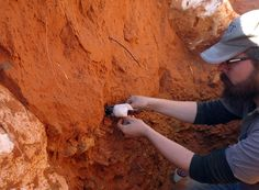 Excavations at Kathu in the Northern Cape province of South Africa have produced tens of thousands of Earlier Stone Age artefacts, including hand axes and other tools University Of Cape Town, University Of Toronto, Provinces Of South Africa, Early Humans, Archaeology News, Archaeological Finds, Stone Age, Before Us, Ancient Civilizations