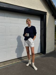 28 Outfits That Minimalists Wear at Home | Who What Wear UK Simple Outfits, Casual Outfits, Fashion Outfits, Simple Ootd, Converse Outfits, Runway Fashion, Spring Summer Fashion, Spring Outfits, Estilo Ivy