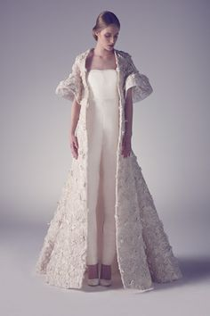 Fall in Love with the Ashi Studio Spring Summer 2015 Couture collection filled with contemporary wedding dress options for the avant garde bride. Couture Week, Style Couture, Couture Fashion, Spring Couture, Gothic Fashion, Beautiful Dresses, Nice Dresses, Ashi Studio, Wedding Jumpsuit