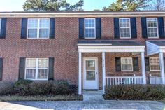 5105 Lamppost Cir, Wilmington, NC 28403       MLS: 532496     Bedrooms: 2     Baths: 1     Partial Baths: 1     SQ FT: 1048     Lot Size: .02     Style: Townhome     Heat Source: Electric     Schools: New Hanover (Elementary School: College Park; Middle School: Williston; High School: New Hanover)