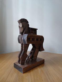Escultura em madeira Cavalo de Tróia - Museu de Tróia - Turquia.
