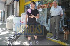 Axel Kicillof hace las compras con changuito  Kicillof, sorprendido por Noticias. Foto: Revista Noticias