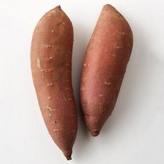 How to Boil Sweet Potatoes Nutrition-packed and inexpensive sweet potatoes cook easily in a pot of boiling water. Once cooked, the possibilities for using them are limitless. Start by substituting sweet potatoes for cooked white potatoes.