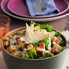 Σαλάτα του Καίσαρα Cooking Time, Cooking Recipes, Smoked Salmon Salad, No Cook Desserts, Greek Salad, Salad Bar, Greek Recipes, Food Dishes, Salad Recipes