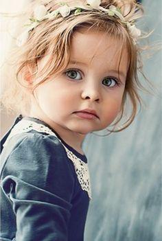 Stunning girl in an oldfashion portrait Precious Children, Beautiful Children, Beautiful Babies, Little People, Little Girls, Cute Babies, Baby Kids, Kind Photo, Foto Baby