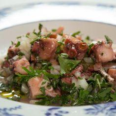 La recette de salade de poulpe à la portugaise facile et accessible a tous. Découvrez un des mets le plus apprécie au Portugal.