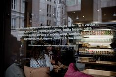 Juicebar | succhi, spremute e centrifughe fresche frutta e verdura, frullati, yougurt, macedonie, insalatone, verdure al vapore, sandwiches, organic & healthy food Milano