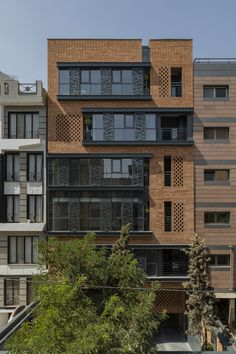 There are lots of design apartment building facade architecture that you can see here. This facade design are awesome contemporary and amazing. Design Exterior, Brick Design, Facade Design, Building Exterior, Building Facade, Building Design, Building Ideas, Brick Facade, Facade House