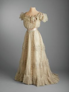 1903... Marjorie Merriweather Post's Fashion Is On Display  - TownandCountryMag.com