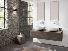 Artis, de nieuwe Villeroy & Boch premium-editie van opzetwastafels, zorgt voor een moderne trendy look in de badkamer. Het verfijnde design, met bijzonder dunne wanddiktes is gemaakt van het innovatieve materiaal TitanCeram.