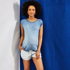 We live for cozy clothes on the weekend! Summer Maternity Fashion, Maternity Style, Maternity Shorts, Maternity Tops, Cozy Clothes, Spring Summer 2015, Lounge, V Neck, Live