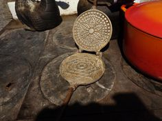I think this was my first pizzelle iron- I don't think I've used it since I got the ruffled one. Cast Iron Cooking