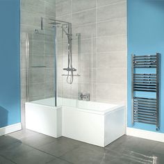 L Shape Left Hand Shower Bath , fixed screen clears door opening, taps in middle so you can reach on/off for kids. Tub for kids, shower for adults=family bathroom. Simple Bathroom Designs, Small Bathroom With Shower, Small Tub, Family Bathroom, Master Bathroom, Bathroom Bath, Small Rooms, Square Bathtub, L Shaped Bath