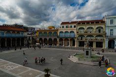 Plaza - Vista de la Plaza Vieja, La Habana, Cuba