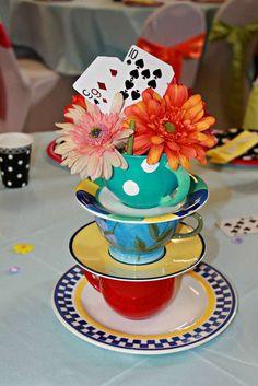 Alice in Wonderland birthday party centerpiece! En el país de las maravillas!