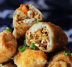 Also her sesame sauce sounds yummy. How to make Crispy Homemade Egg Rolls! This egg roll recipe is easy and delicious filled with pork & veggies! This appetizer can be oven baked or fried. Egg Roll Recipes, Pork Recipes, Asian Recipes, Cooking Recipes, Chinese Recipes, Easy Egg Roll Recipe, Recipies, Cooking Corn, Chinese Desserts