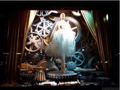 Bergdorf Goodman presenta: le arti. La danza. (Vetrina di Bergdorf Goodman, New York)