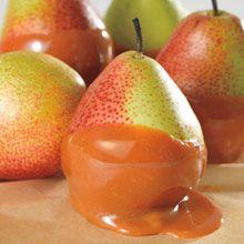 """""""Herkullista ja mehevää"""" Makea päärynä Haudutettua makeutta! Kinuskin ja karamellin kanssa lämmitetyt päärynät levittävät vastustamatonta tuoksua."""