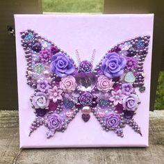 Vintage Jewelry Art Always sparkle gifts ( Costume Jewelry Crafts, Vintage Jewelry Crafts, Jewelry Art, Crafts To Sell, Fun Crafts, Diy And Crafts, Arts And Crafts, Butterfly Crafts, Butterfly Art