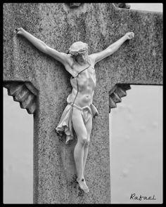 Buenos días. #olladasmiñas #lacoruña #acoruña #coruña #lacoruñaenblancoynegro #cementerio #cementery #NigraKajBlanca #blancoynegro…