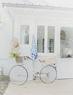 beach cottage white bike