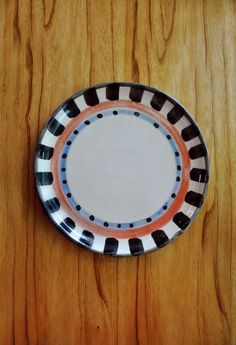 Plato cerámica Pottery Designs, China Painting, Pottery Painting, Ceramic Plates, Tile Patterns, Clay, Tableware, Home Decor, Dishes