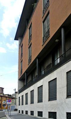 Visita all'Edificio progettato da Caccia Dominioni in piazza Sant'Ambrogio a Milano (Foto di Barbara Palazzi). #Milano, #Architettura, #Cacciadominioni