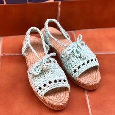 Menorquinas Lolita a crochet de Missaquitos Espadrilles, Baby Shoes, Kids, Clothes, Instagram, Fashion, Backpacks, Princesses, Tejidos