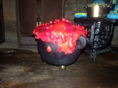 Polymer clay cauldron Haunted Dolls, Cauldron, House Made, Witches, Dollhouse Miniatures, Pallet, Polymer Clay, How To Make, Fun