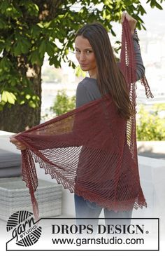 "Knitted DROPS shawl with pattern in ""Lace"". ~ DROPS Design"