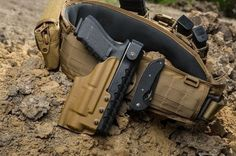 Great looking Flat Dark Earth gun belt and holster Airsoft, Tactical Belt, Kydex Holster, War Belt, Battle Belt, Camouflage, Tactical Accessories, Tac Gear, Chest Rig