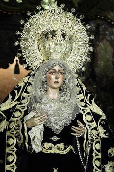 Ntra. Sra de la Esperanza Macarena de Sevilla.