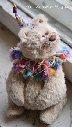 Мишки Тедди ручной работы. Заказать Хлопушка с Конфетти...коллекционный медведь тедди. Дом Живых Игрушек©. Ярмарка Мастеров. Медведь Teddy Bear Hug, Teddy Bear Gifts, Teddy Bear Toys, Cute Teddy Bears, Bear Hugs, Big Stuffed Animal, Teddy Bear Pictures, Vintage Teddy Bears, Plush Dolls
