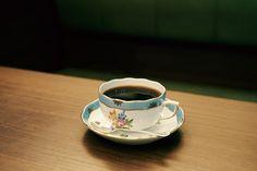 ネルドリップに自家焙煎…伝統を受け継ぐ珈琲専門店がひしめく銀座。そんな銀座の珈琲文化の歴史をつくった老舗珈琲専門店をはじめ、コーヒー好きなら是非訪れたいお店をご紹介します。