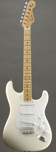 Lardy's Chordophone of the day: GodWillies White Fender Stratocaster ~ Undoubtedly the best other chordophone I have seen today