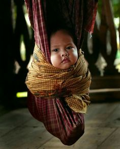 Hanging out ~ JILBAB STYLE Poor thing looks like he& in a tightly wrapped cacoon!