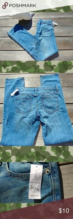 LOWEST $$!! BOYS OLD NAVY SKINNY JEANS NWT MARKED DOWN AGAIN!! Brand new jeans from Old Navy for boys! Tags attached. Skinny fit. Size 14 regular. Awesome deal so no offers please! Old Navy Bottoms Jeans