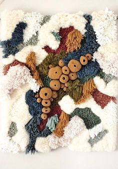 Remember my latch hook weaving tutorial? Well, take that and times it by a thousand and you'll find yourself oohing and aahing over the work of Portuguese textile artist Vanessa Barragao. Weaving Textiles, Weaving Art, Tapestry Weaving, Textile Fiber Art, Textile Artists, Latch Hook Rugs, Creative Textiles, Crochet Art, Woven Wall Hanging