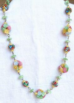 Beautiful Summery Art Deco 1930's Czech Satin Glass Flower Necklace
