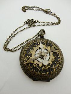 Steampunk locket/clock/compass/
