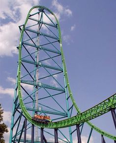 NEED TO RIDE THIS!! 456ft (139 m) tall! 128 mph (206 km/h) acceleration in 3.5 seconds! 3118 ft (956 m) of track! 90 degree angle climb and drop! 418 ft (127 m) drop!