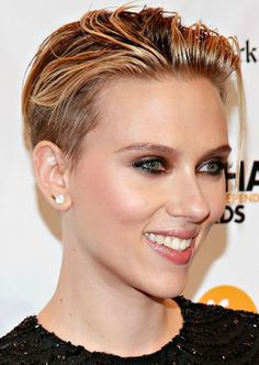 Scarlett showed off her new floppy-on-top buzzed haircut at last night's 24th Annual Gotham Independent Film Awards. Description from bellamumma.com. I searched for this on bing.com/images