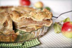 Amerikkalainen omenapiiras Apple Pie - Makeat leivonnaiset - Reseptit - Helsingin Sanomat
