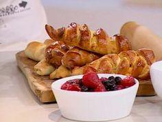 Pan de plátano y cachitos Tapas, French Toast, Potatoes, Vegetables, Breakfast, Food, Gourmet, Bread Recipes, Siblings