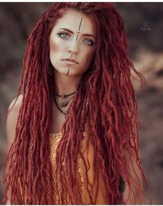 white girls with Dreadlocks - - Pelo Rasta, Rasta Hair, Dreadlock Hairstyles, Boho Hairstyles, Black Hairstyles, Wedding Hairstyles, White Girl Dreads, Girl With Dreads, White People Dreads