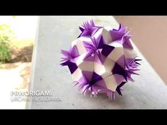 Use 30 rectangle and 60 square sheets of origami paper. Difficulty : ⭐⭐⭐⭐⭐ Time: 5 hours It looks like spikes of sea urchin. Origami And Quilling, Origami And Kirigami, Origami Ball, Hama Beads Minecraft, Minecraft Pixel Art, Minecraft Skins, Minecraft Buildings, Perler Beads, Paper Roll Crafts