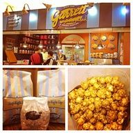 The Chicago Mix is to die for! via @Garrett Popcorn Shops